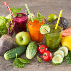61927132 - various freshly squeezed fruit and vegetable juices